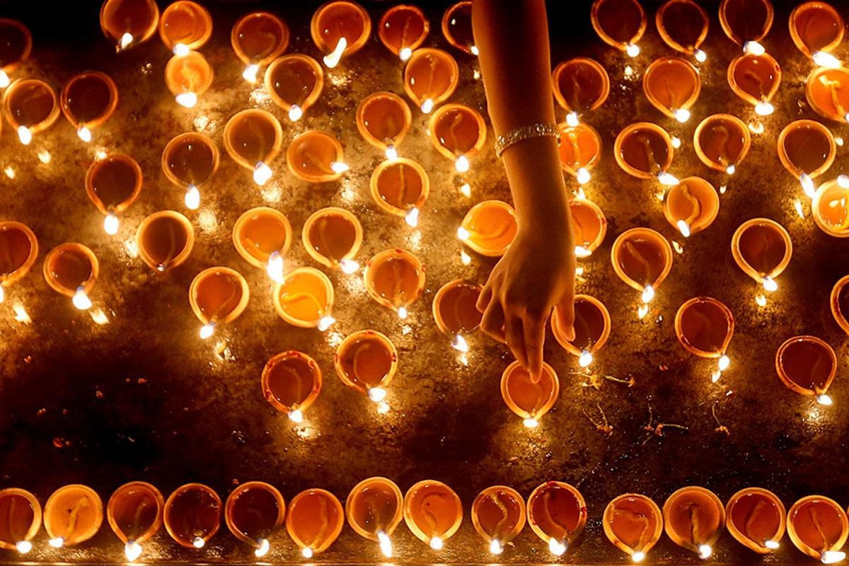 Lights on Mundus Euforica